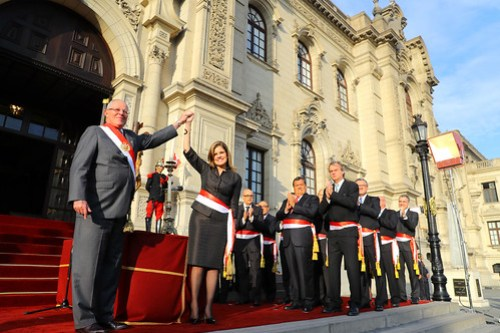 Presidente Kuczynski tomó juramento a ministros de Estado.