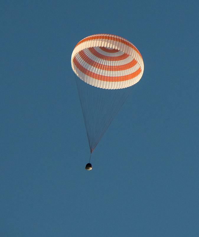 Expedition 52 Soyuz MS-04 Landing (NHQ201709030007)