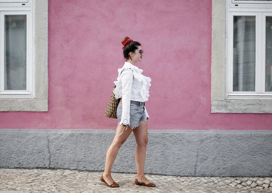 pañuelo-cabe-zacamisa-volantes-shorts-levis-outfit-myblueberrynighsblog-lisboa5