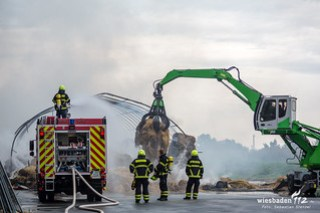 Feuer Stroh-Lagerhalle Bischofsheim 08.08.17