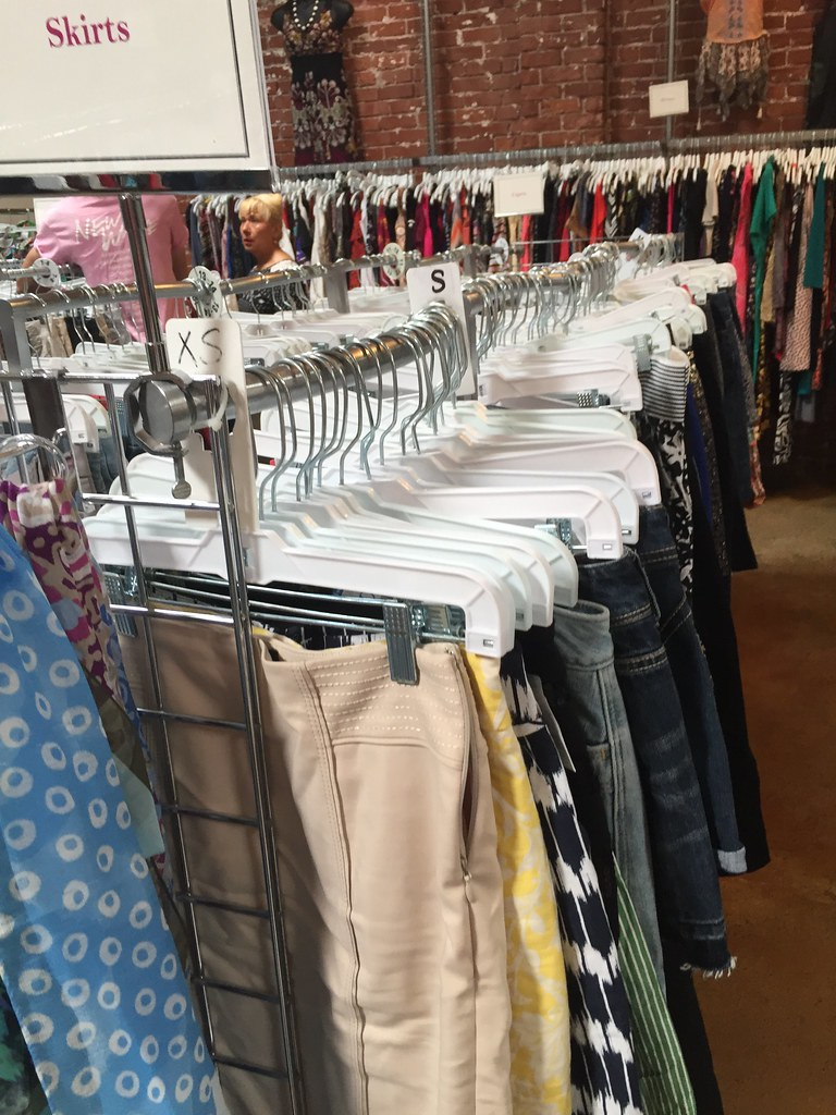 Come Thrifting With Me: Goodwill (L Street) • Kasmira Kit