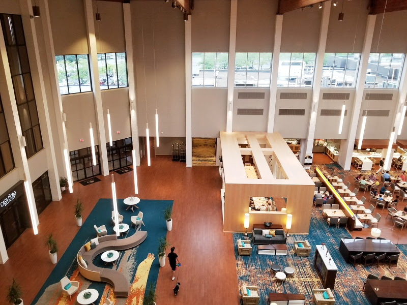 doubletree-hilton-view-lobby
