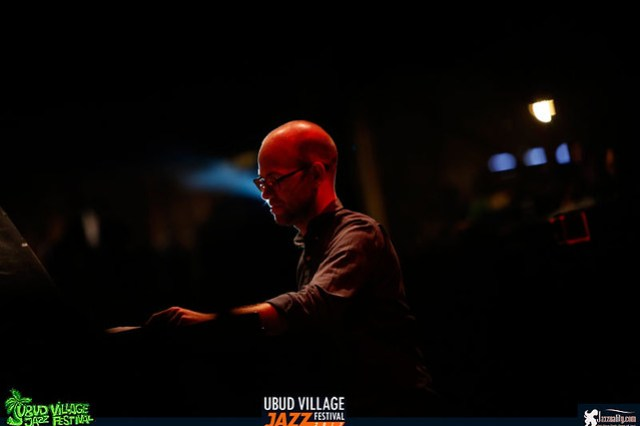 UbudVillageJazzFestival2017-SteveBarry (4)