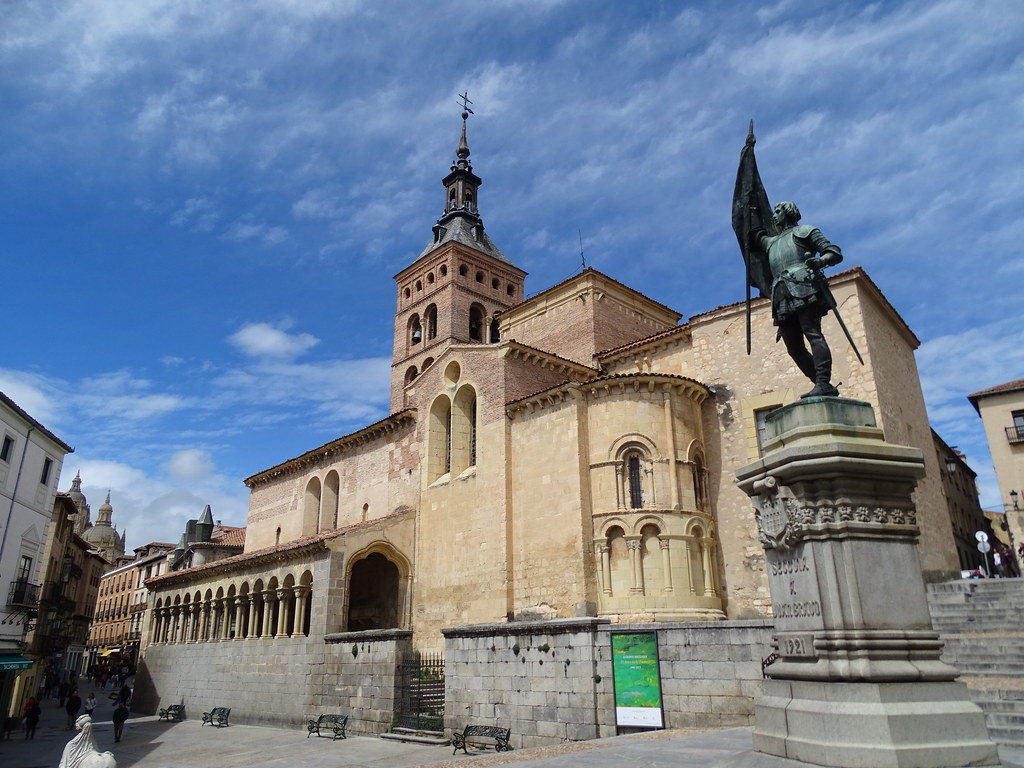 Segovia Plaza de Medina del Campo 02