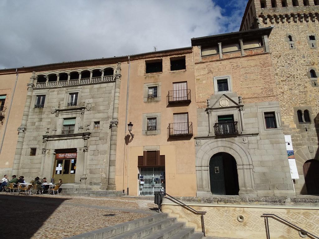 Casa de Solier y Casa de los Condes de Bornos Segovia 01