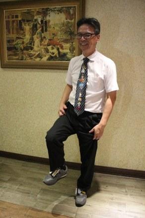 吳校長穿鞋測試