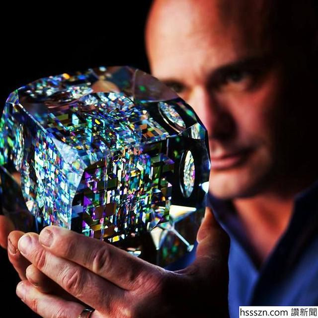 glass-sculptures-jack-storm_650_650