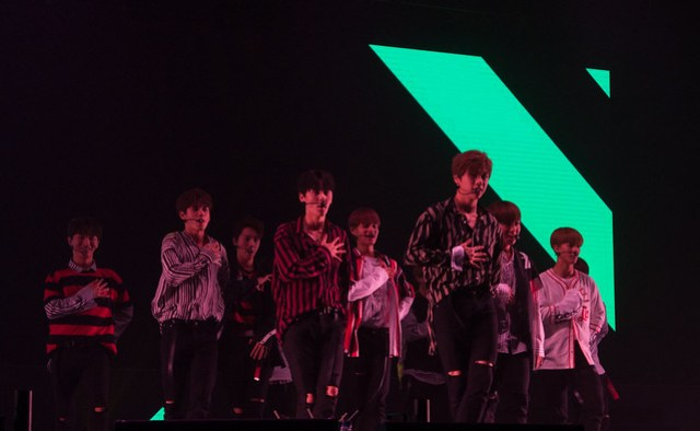 WANNA ONE 'WANNA BE LOVED' 1st Fan Meeting in Singapore 3