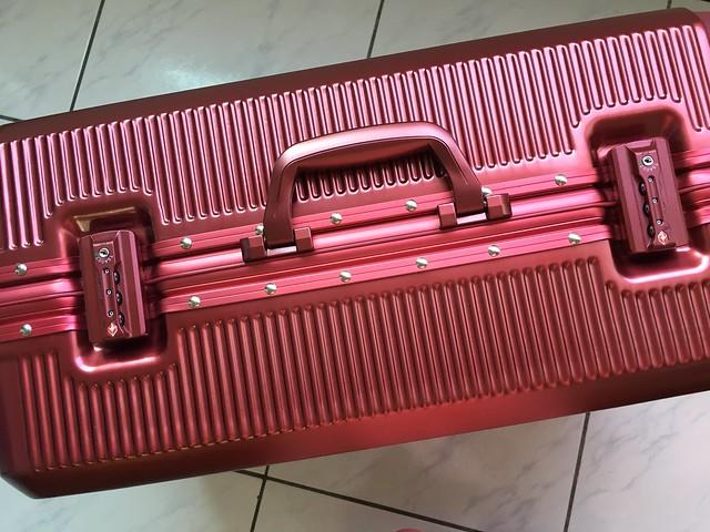 [開箱/旅行] ELLE花苑盛典25吋行李箱,四歲小孩也能輕鬆推動 @ 熱血青年很向上 :: 痞客邦