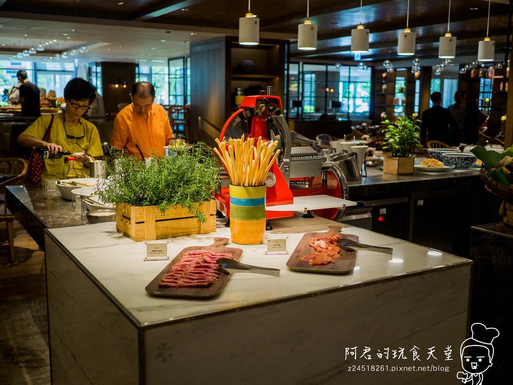 【臺北】君悅酒店-凱菲屋|大推牛肉湯、生魚片、握壽司|Buffet吃到飽 @ 阿君的玩食天堂 :: 痞客邦