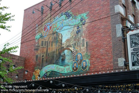 Mural in the American Waterfront