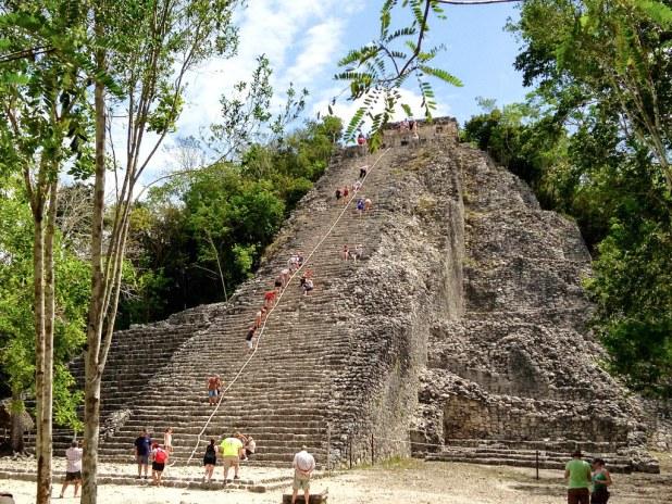 Pirámide de Nohoch Mul en Cobá