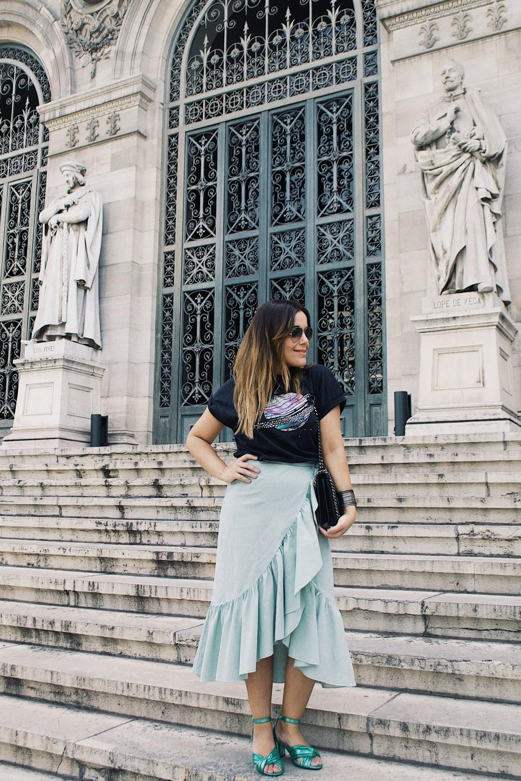 falda pareo estampado planeta outfit