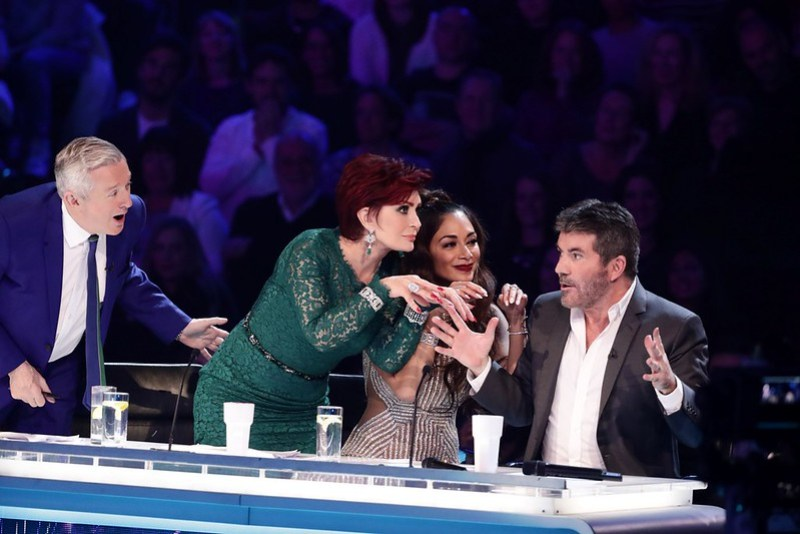 *** MANDATORY BYLINE TO READ: Syco / Thames / Dymond ***<BR/>.Nicole Scherzinger, Simon Cowell. The X Factor Live Finals - 26 November 2016.<P>.Pictured: Louis Walsh, Sharon Osbourne, Nicole Scherzinger, Simon Cowell.<B>Ref: SPL1400036  261116  </B><BR/>.