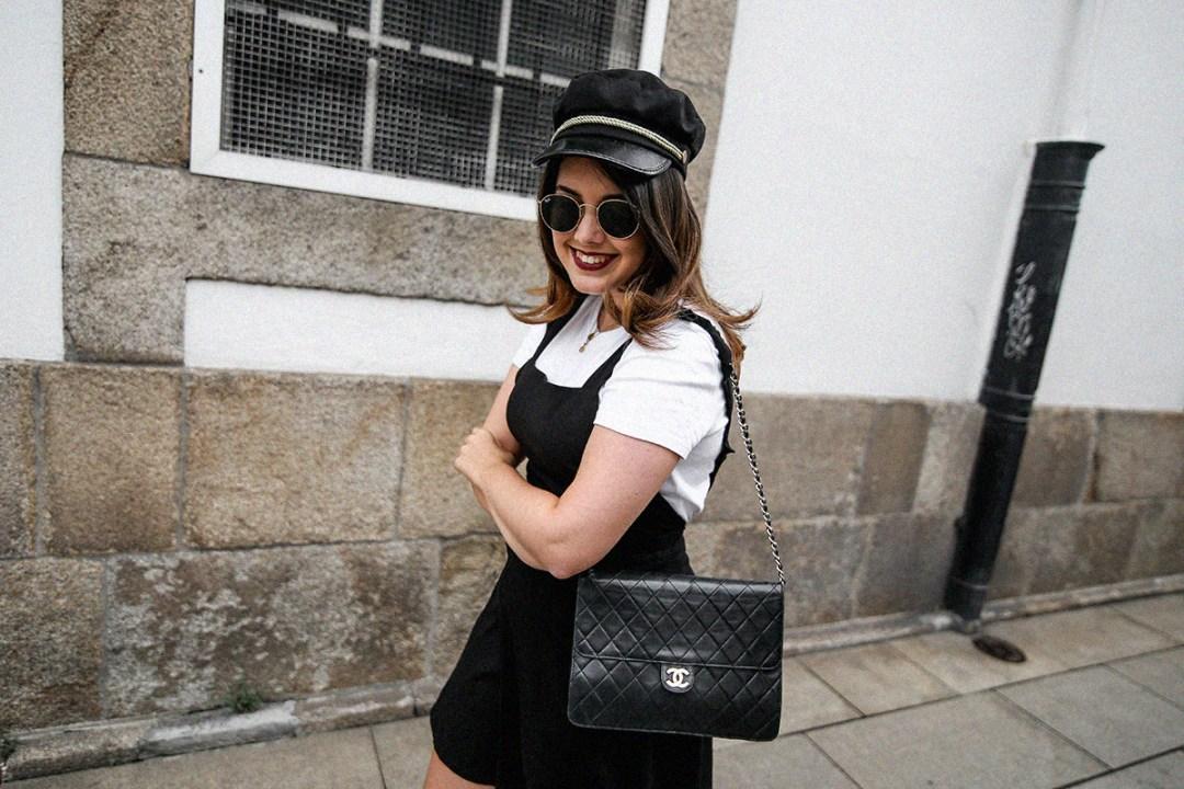vestido-negro-casual-botines-militares-como-combinarlo11