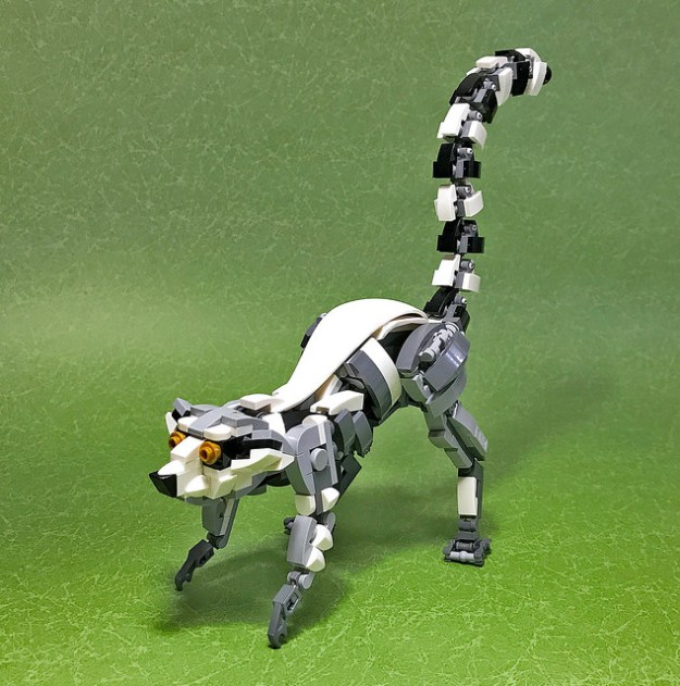 LEGO Mecha Ring-tailed lemur-01