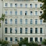 Hausfassade am Carl-Herz-Ufer