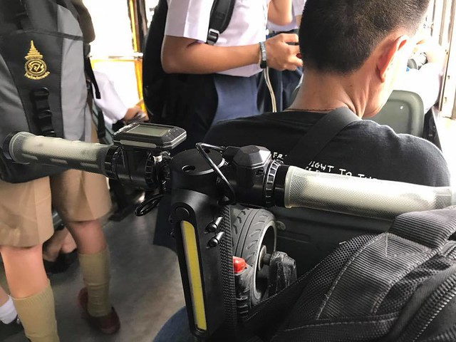 พก MONOWHEELair ขึ้นรถเมล์