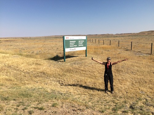 Grasslands West block Linda at sign
