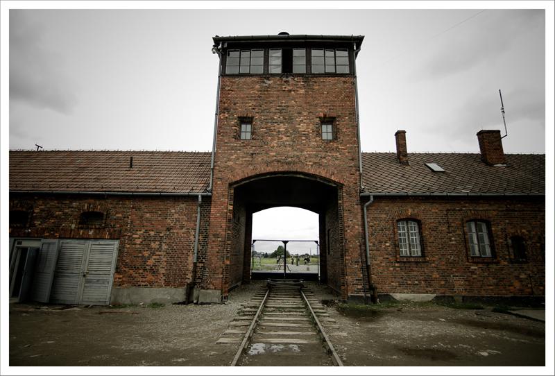 Auschwitz-59