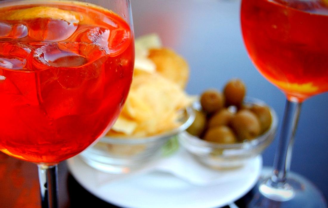 Aperol Spritz, aperitivo à italiana