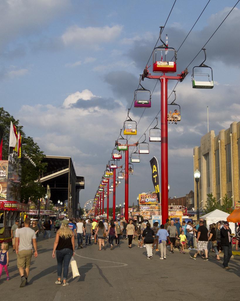 Skyride along the fair's mains treet