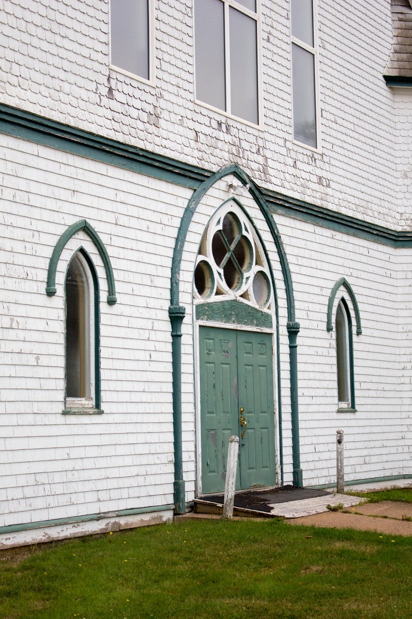rollo-bay-abandoned-church-st-alexis-pei-side door