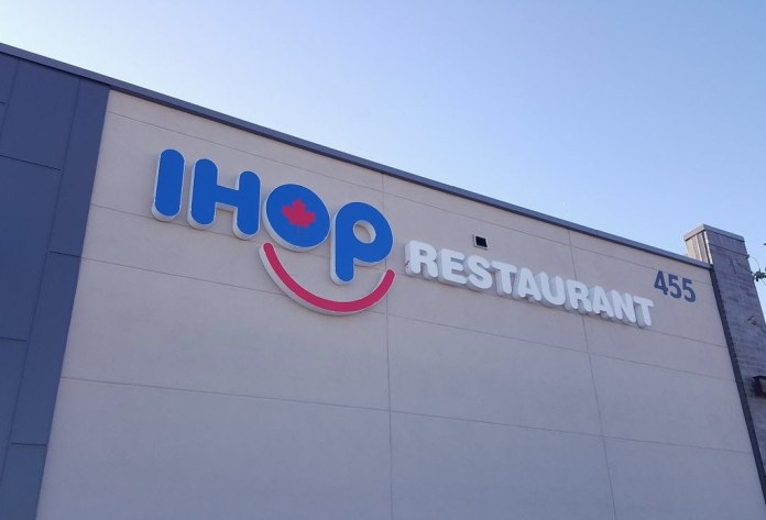 PHOTO: IHOP Winnipeg Sign Is Now Up