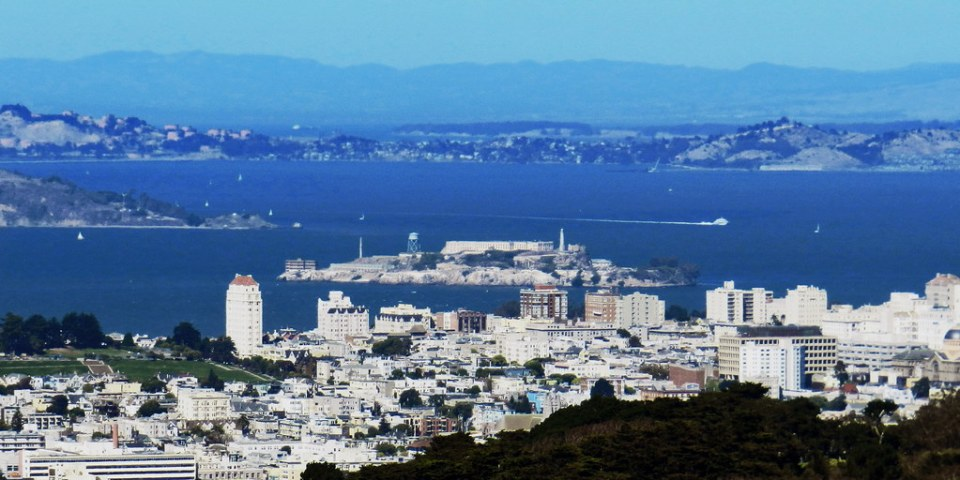Mirador de Twin Peaks vista de isla de Alcatraz San Francisco California EEUU