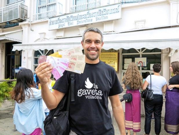 Entrada al Palacio real en Bangkok
