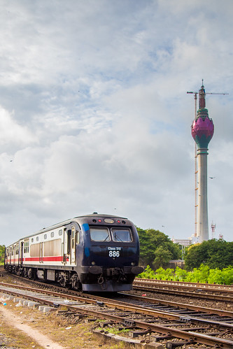 S10 passing the Lotus Tower