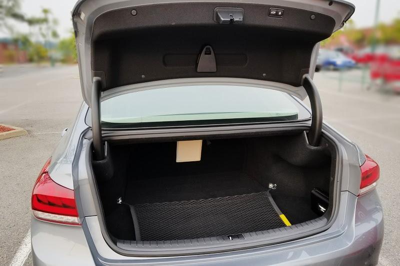 genesis-vehicle-g80-trunk-space-3