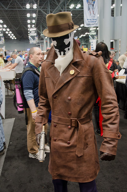 Rorschach-cosplayer-NYCC-Oct-2017-other-col-pic#1
