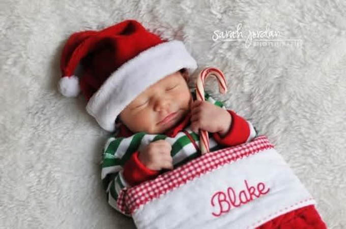Picture Ideas for Baby\'s First Christmas - Life With My Littles