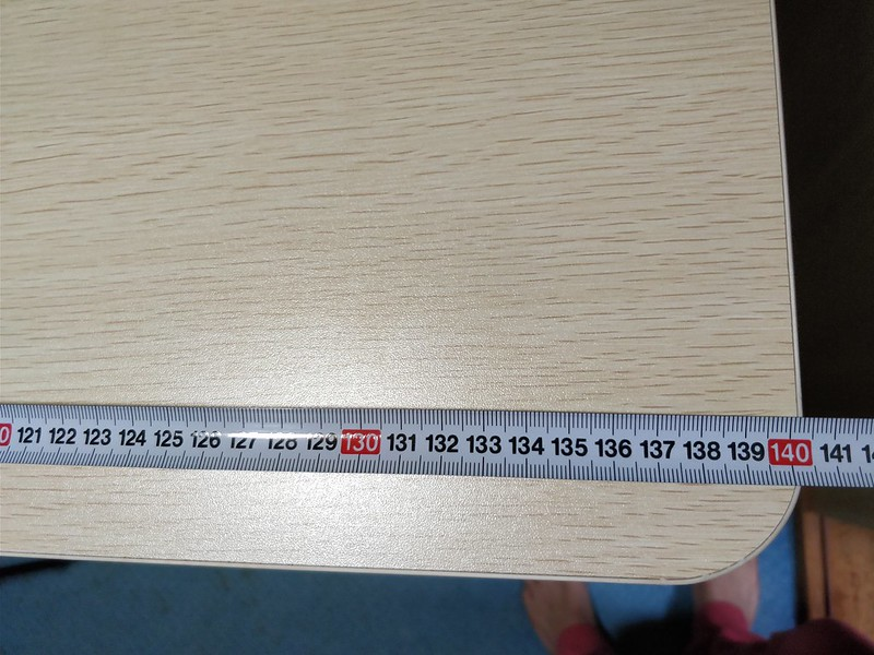 Loctek 電動式スタンディングデスク サイズ (2)