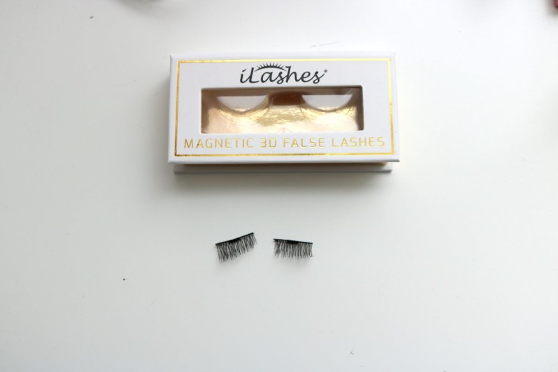 iLashes packaging and lashes