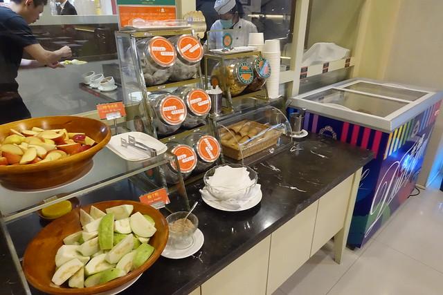 【臺南】臺南康橋商旅民生館。早餐與宵夜都超豐盛的平價商旅 @ 嚕米與露西。幸福空間 :: 痞客邦