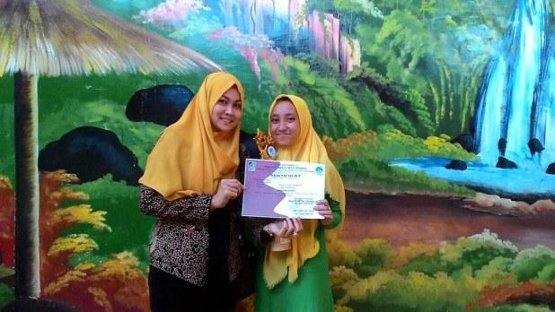Juara 2 Bercerita Bulan Bahasa 2017 MGMP Bahasa Indonesia SMP Kab. Banyuwangi