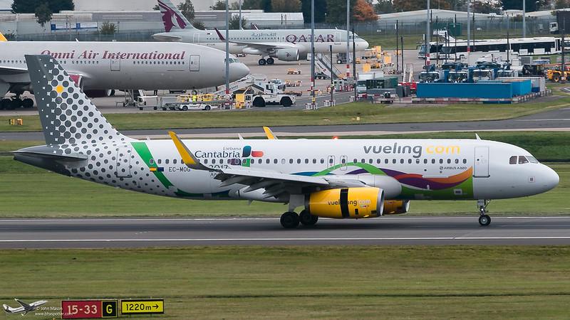 EC-MOG A320 VUELING