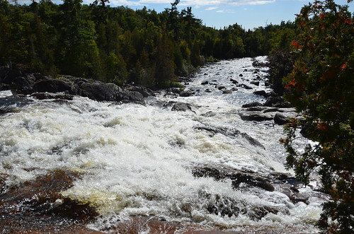 Lake Superior Provincial Park Sand Lake hike and falls 2
