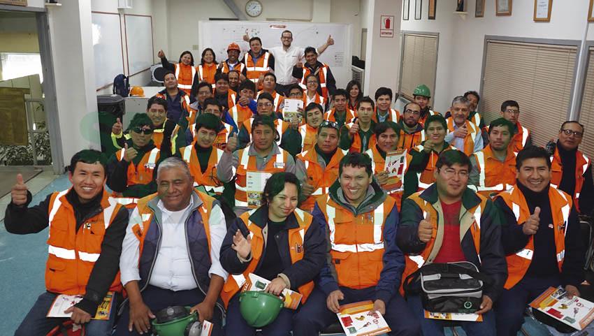 Personal de planta LESDE participó en conferencia sobre seguridad en el uso de herramientas manuales.