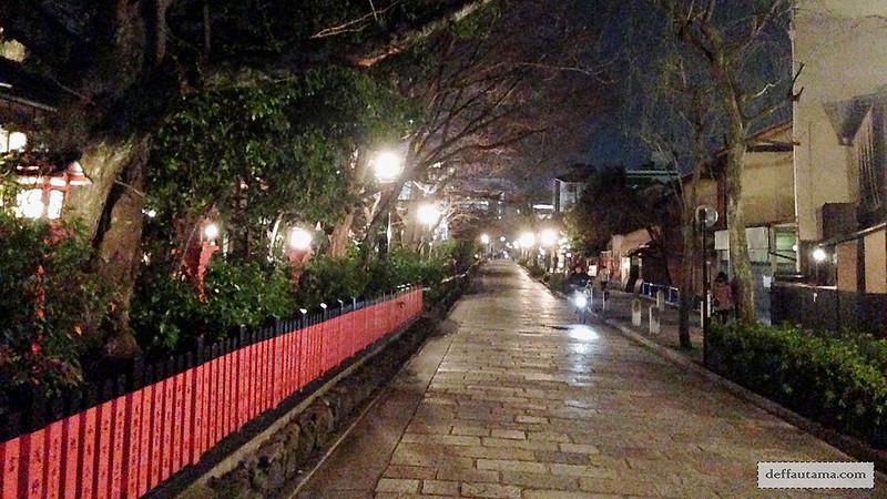 3 Hari Keliling Kyoto - Shinbashi Dori
