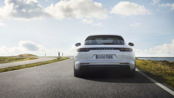 Porsche-Panamera-Turbo-S-E-Hybrid-Sport-Turismo-10