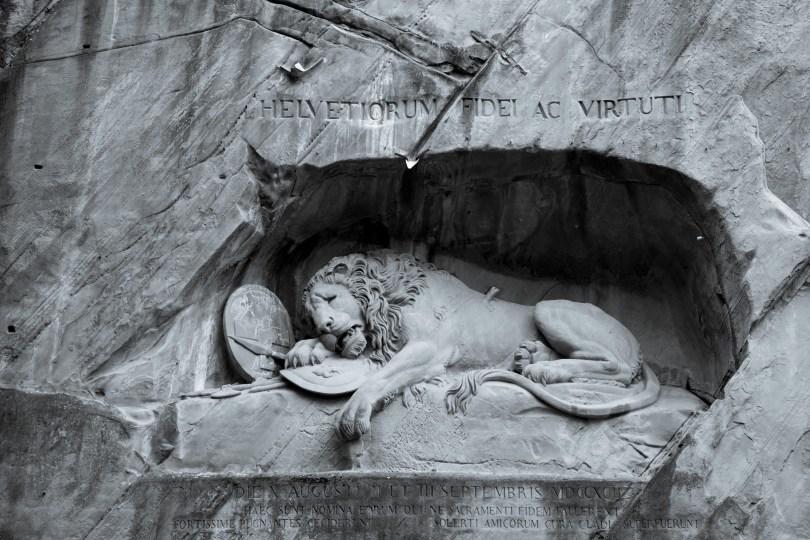 Helvetiorum Fidei ac Virtuti — Lion Monument