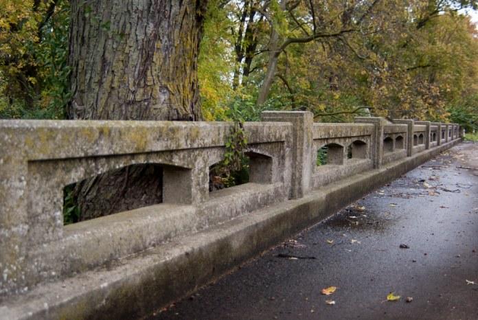 Bluff Road