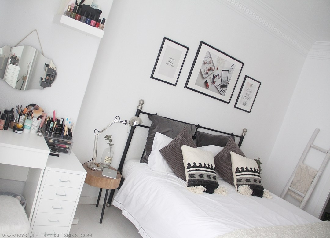 nordic-bedroom-monochromatic-wooden-laders-zarahome-laredoute-home-deco