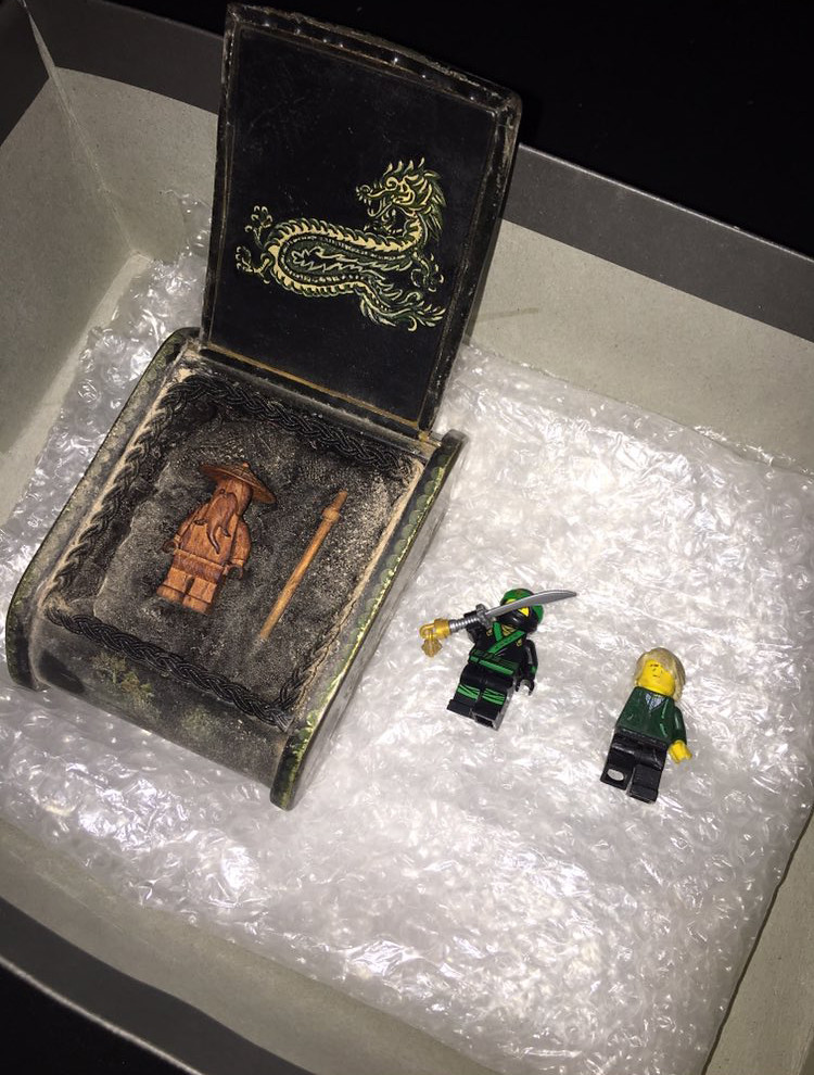 LEGO Ninjago Movie minifigura, filmski pribor