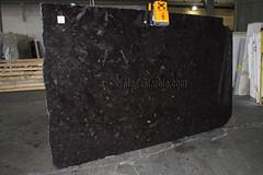 Antique Brown Granite slabs for countertops