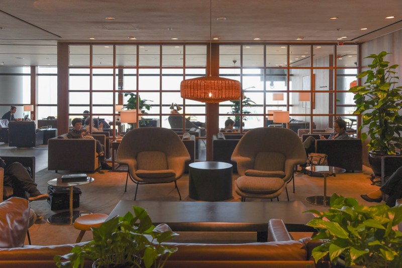 the bar - the pier business class lounge