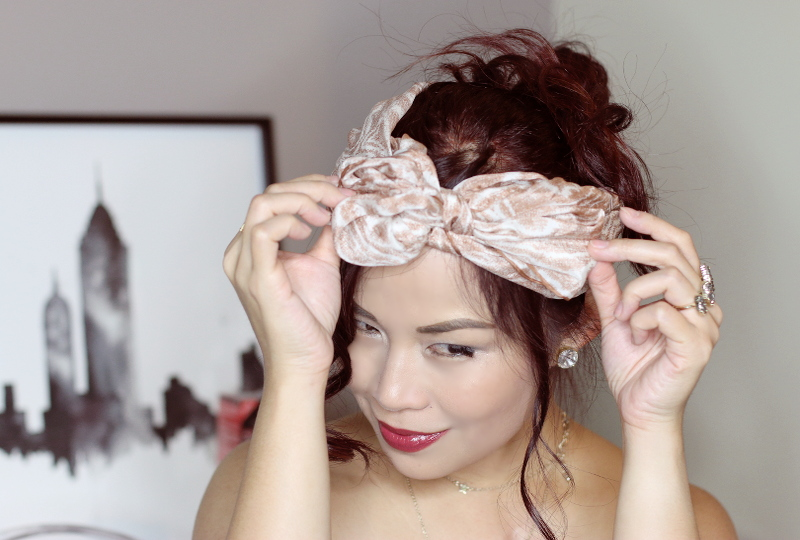 curled-red-hair-tie-scarf-bow-7